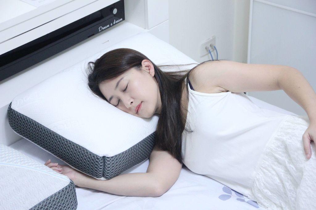 東稻家居純然恆溫呼吸止鼾設計天絲獨立筒枕10.JPG