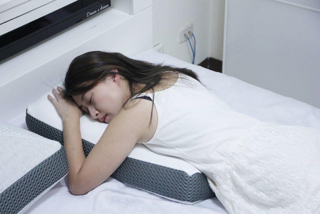 東稻家居純然恆溫呼吸止鼾設計天絲獨立筒枕12.JPG