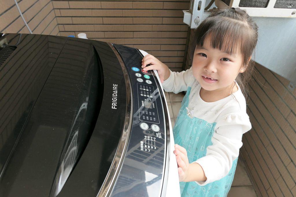 富及第12kg超好取窄身洗衣機18.JPG
