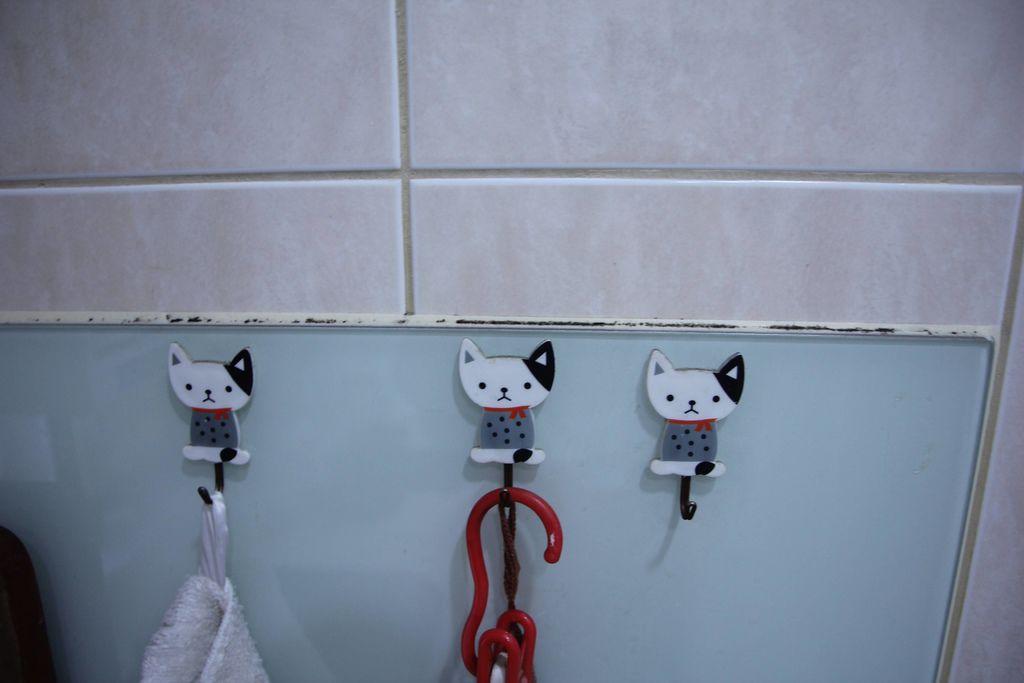 浴室矽利康的除霉清潔4.JPG