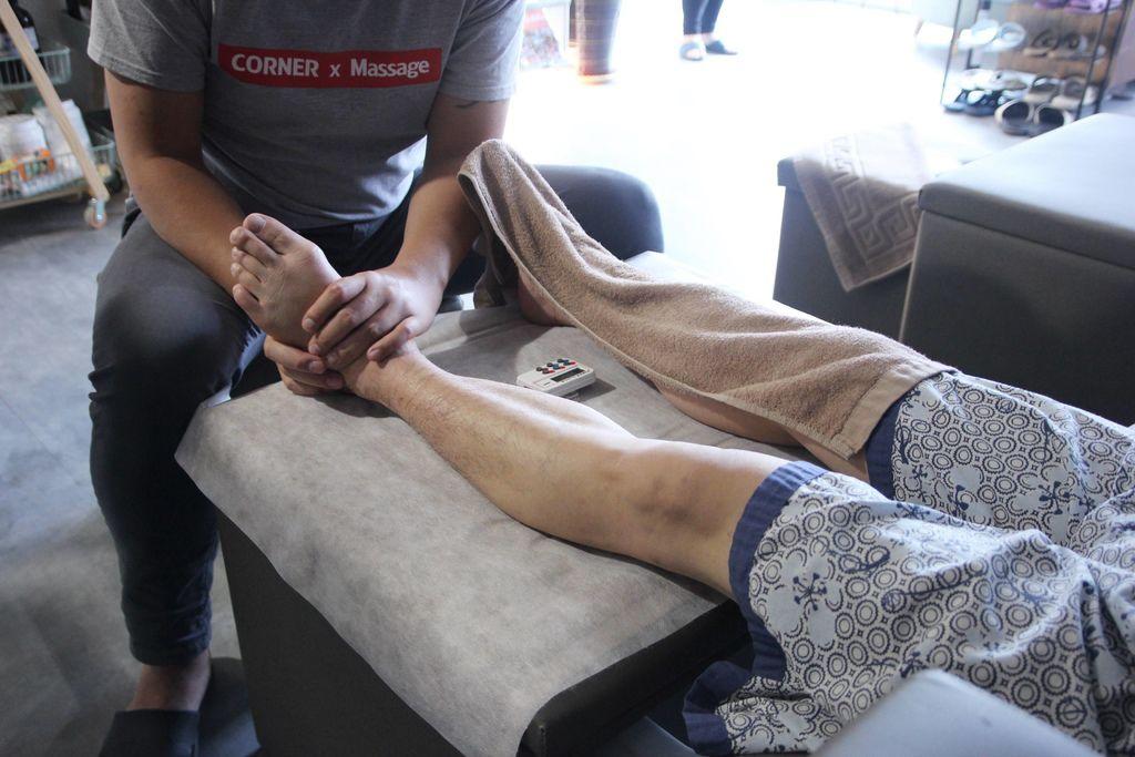 CORNER Massage16.JPG