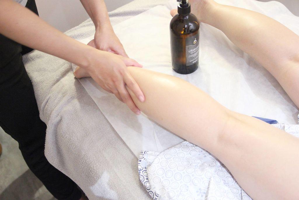 CORNER Massage43.JPG