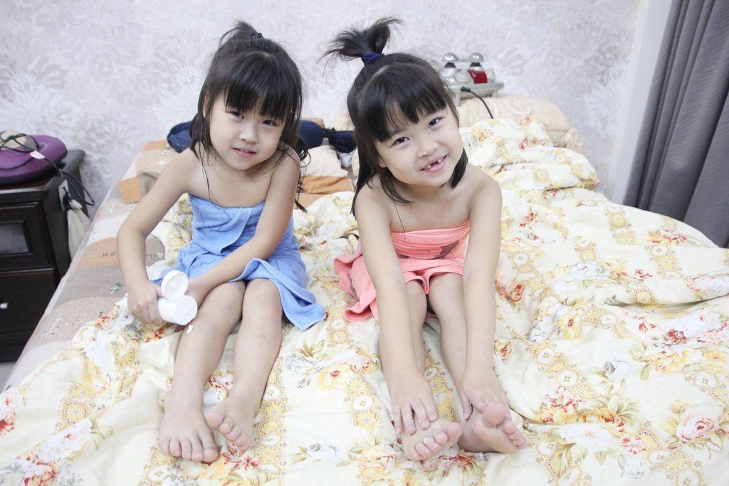 I BAEBAE 愛貝貝嬰兒柔潤護膚霜11.JPG