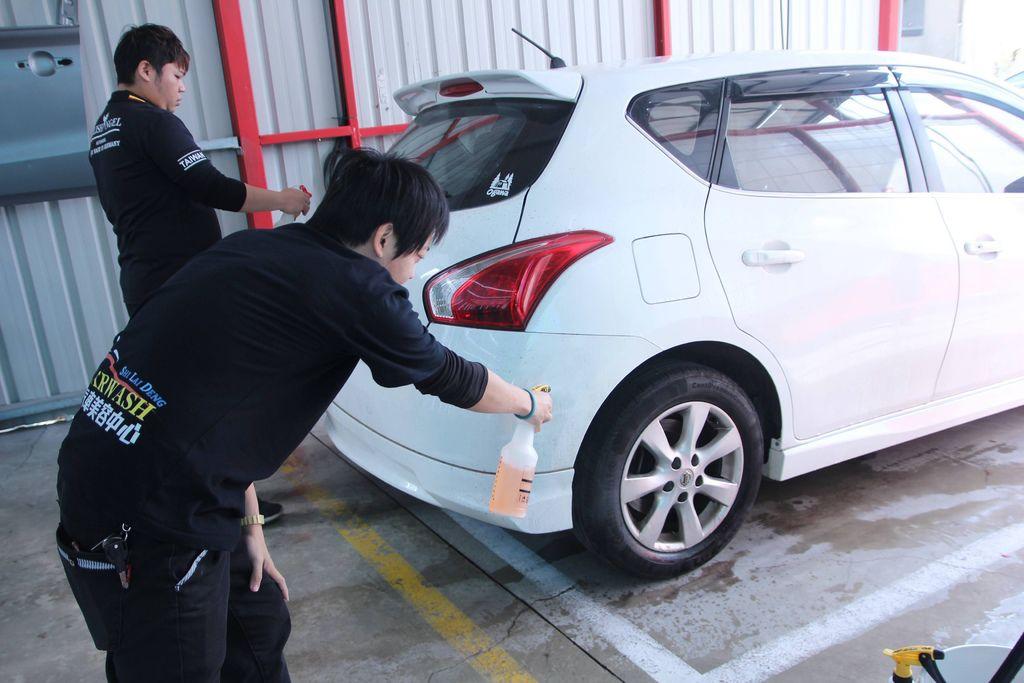 洗來登汽車美容9.JPG