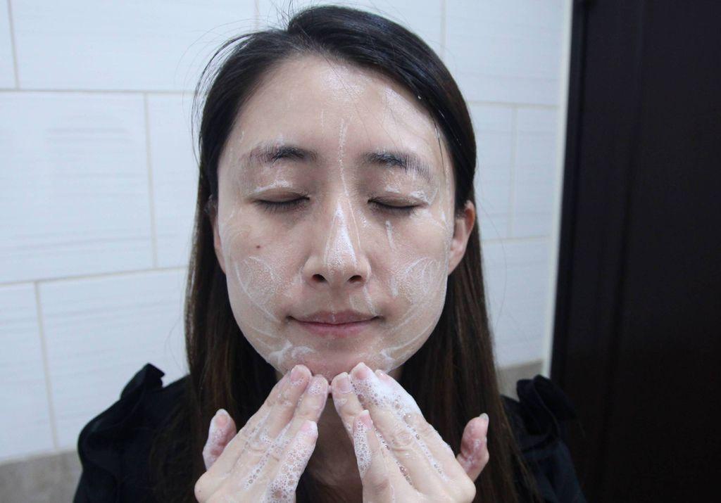 仟米胺基酸洗面霜13.JPG