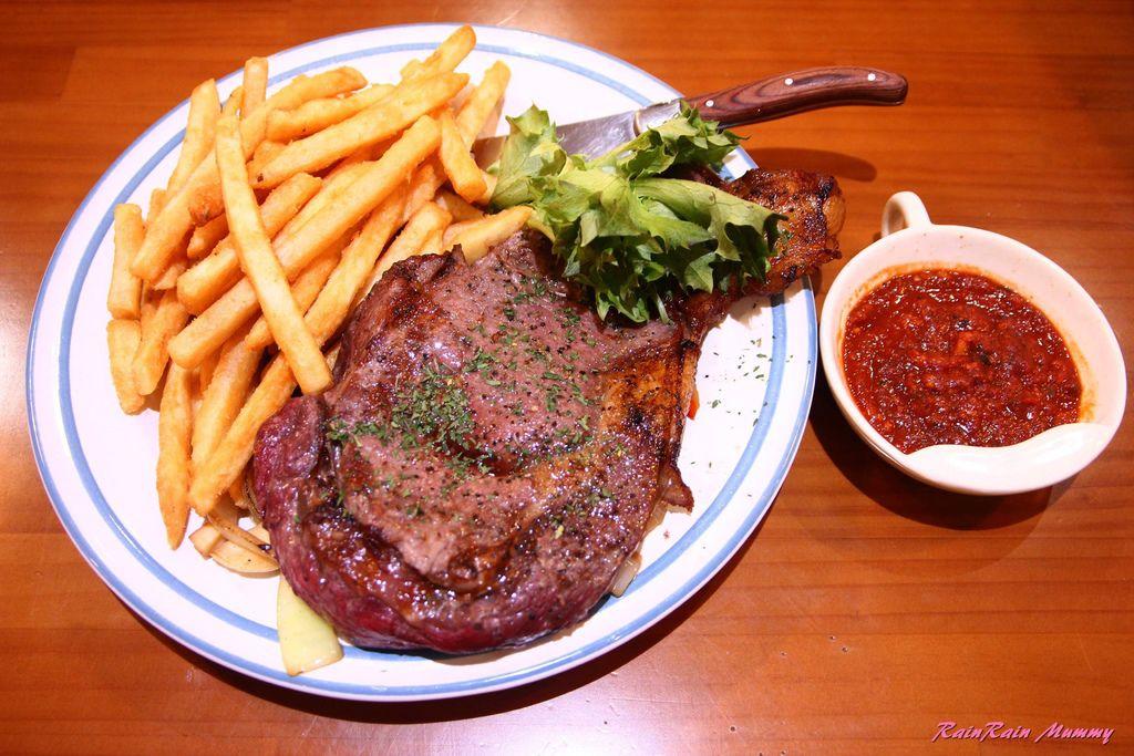 Cook Table19.JPG