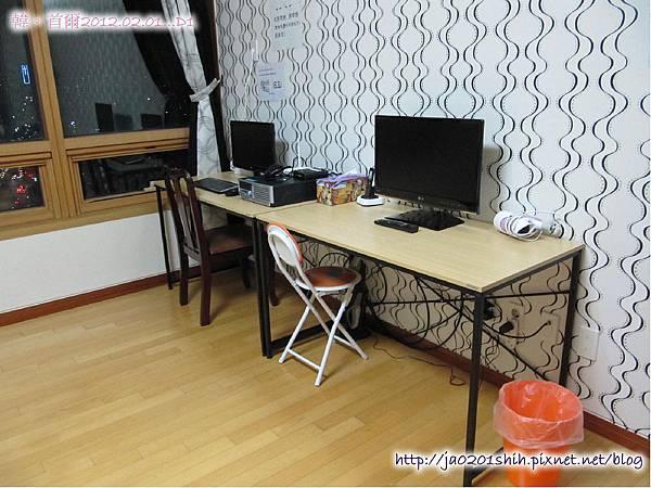 我們住的民宿~很乾淨舒服哦!電腦+電視
