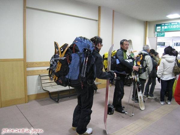 這就是要上去的滑雪客