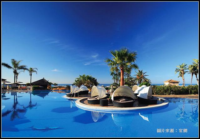 Resort_06.jpg