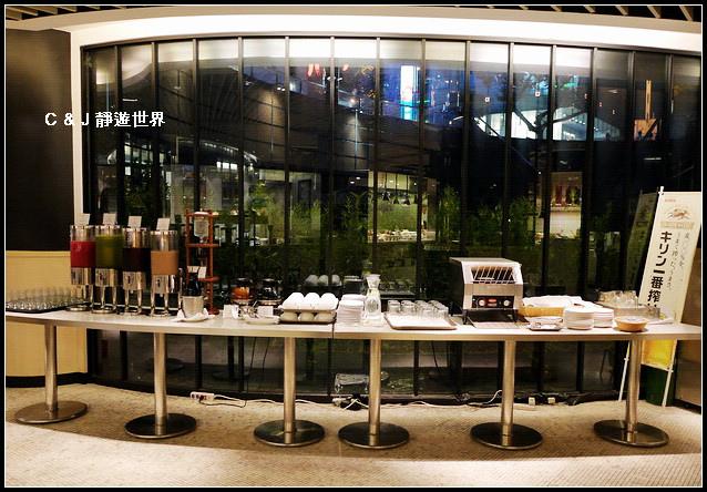 Market Cafe_050747.jpg
