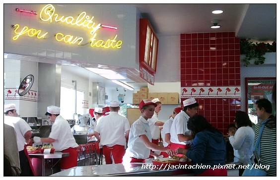 IN-N-OUT Burger-inside