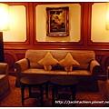 君悅飯店滬悅庭-入口處沙發區