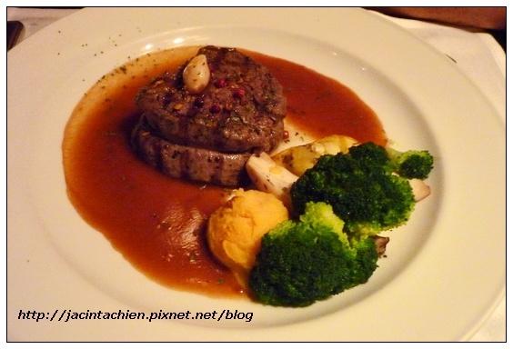 Sheraton Hotel_Pizza Pub17-f.jpg