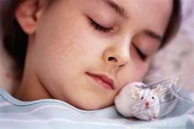 女孩和老鼠.jpg