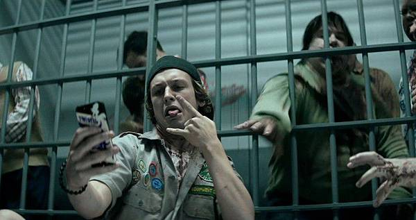 scouts_guide_to_the_zombie_apocalypse_movie_2015_desktop_wallpaper-800x422.jpg