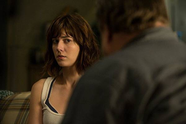 10-Cloverfield-Lane-886x590.jpg