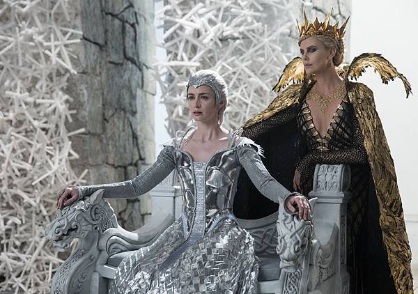 the-huntsman-winters-war-emily-blunt-charlize-theron.jpg