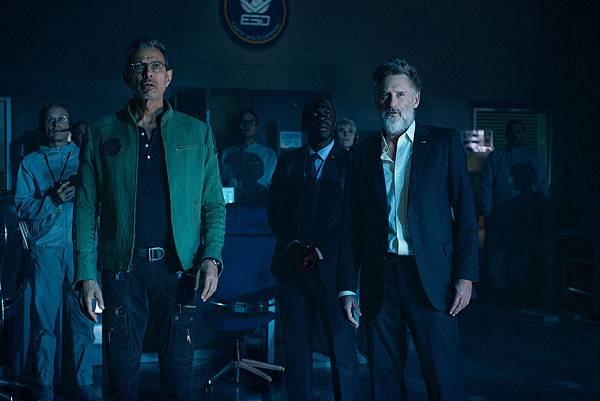 ct-independence-day-resurgence-review-20160623.jpg