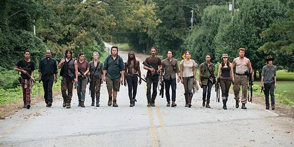 walking-dead-season-7-group-1024x512.jpg