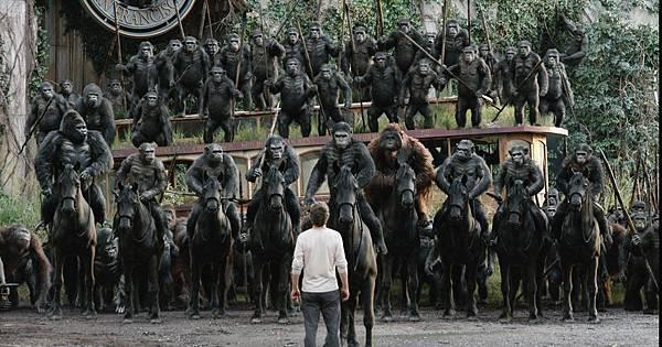 Luca,_Grey,_Rocket,_Koba,_Caesar,_Maurice,_Stone,_Ash_%26;_Blue_Eyes_on_horseback.jpg