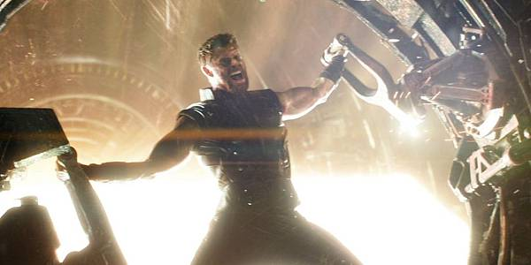 thors-new-weapon-forged-in-infinity-war-trailer.jpg