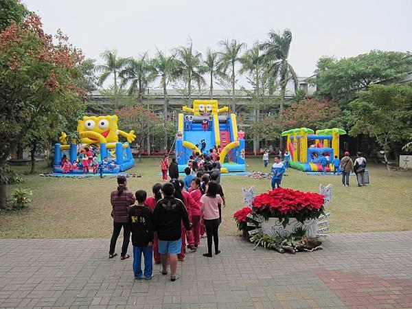 07兒童世界美樂地-大型充氣遊樂設施.JPG