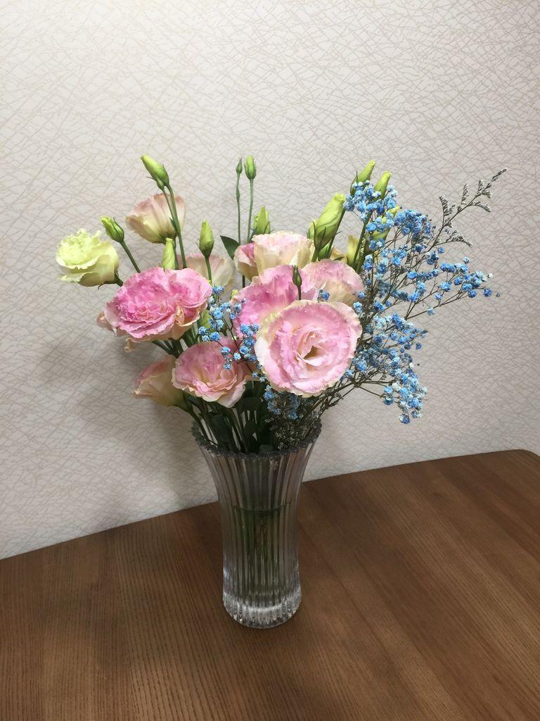01餐桌上的桔梗花(20190318拍攝).JPG