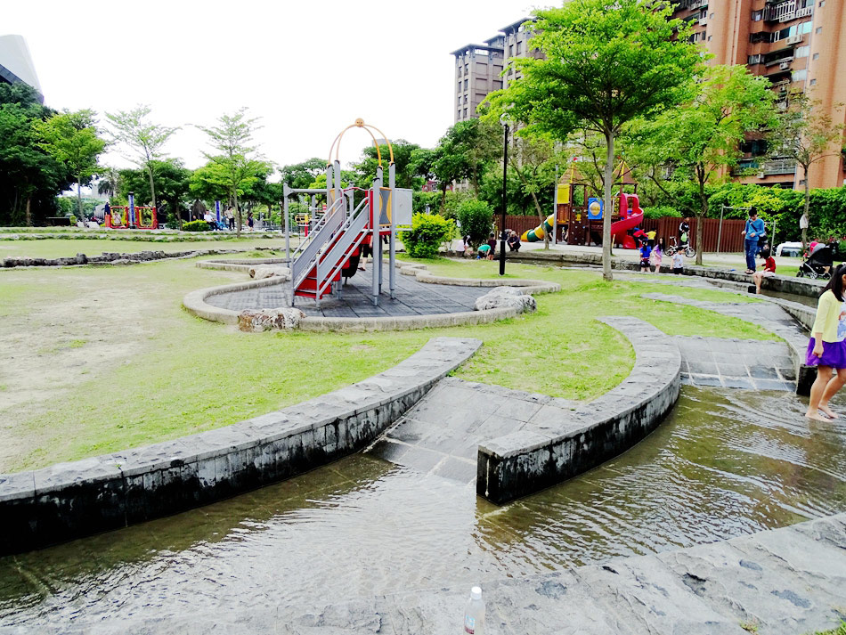 中和錦和公園 (1).jpg