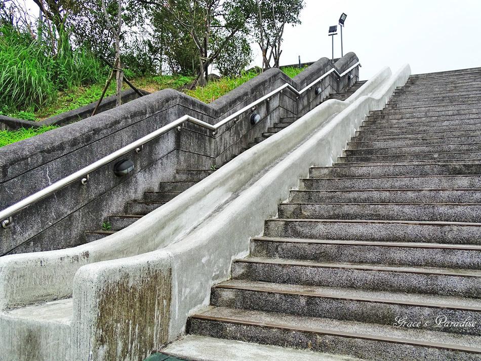 超長溜滑梯 (1).jpg