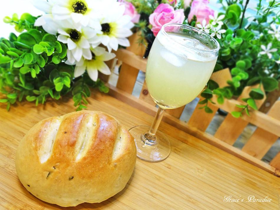 囍瑞冷壓初榨特級 橄欖油-橄欖油麵包食譜 (8).jpg