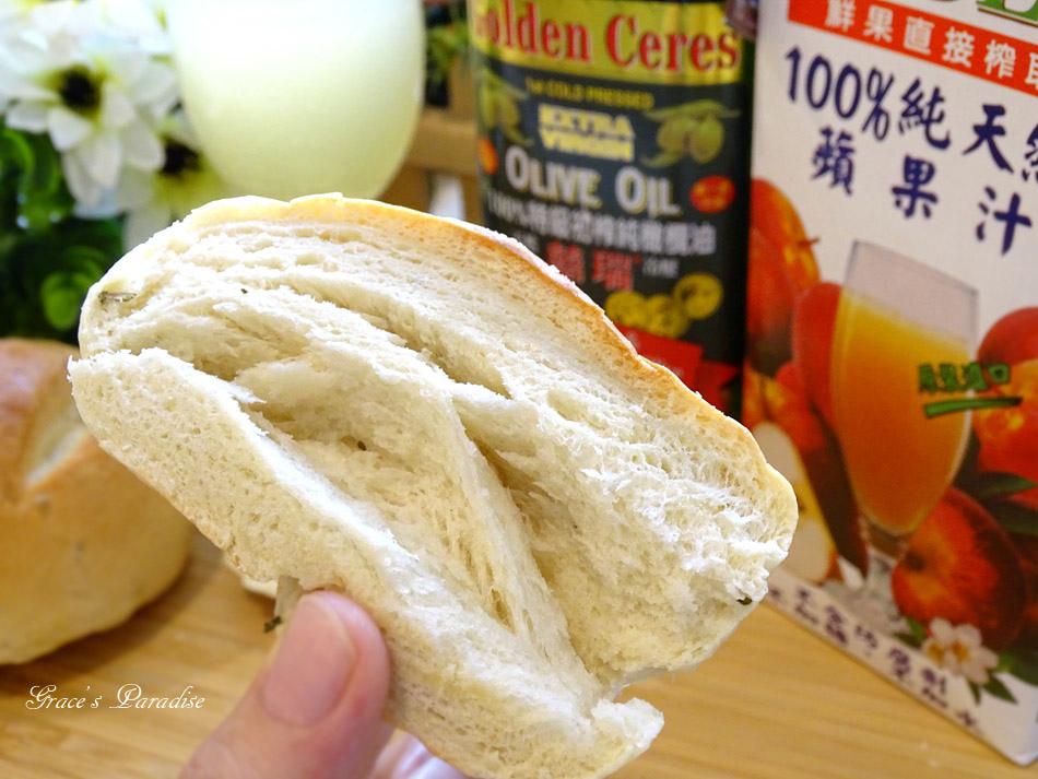 囍瑞冷壓初榨特級 橄欖油-橄欖油麵包食譜 (15).jpg