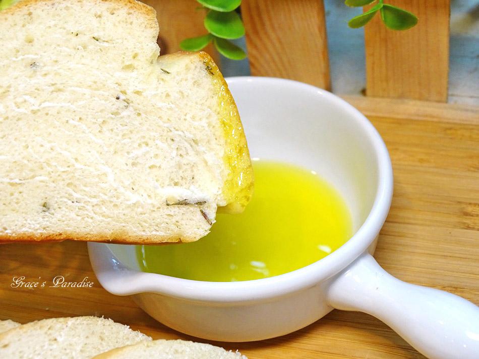 橄欖油麵包食譜 (2).jpg