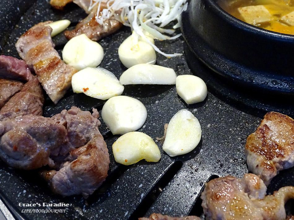 韓國必吃烤肉-荒謬的生肉-建大店 (21).jpg