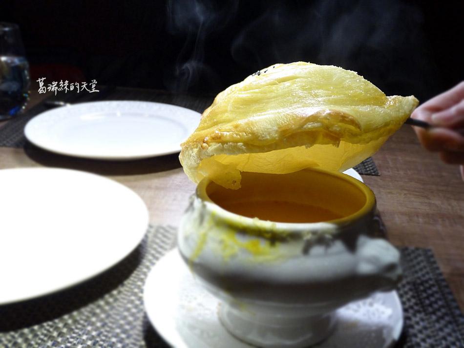 艾朋牛排餐酒館-微風南山附近美食 (54).jpg