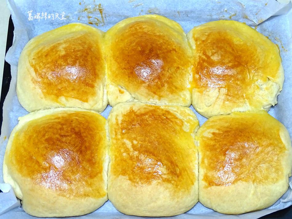 鮮奶油餐包做法 (16).jpg