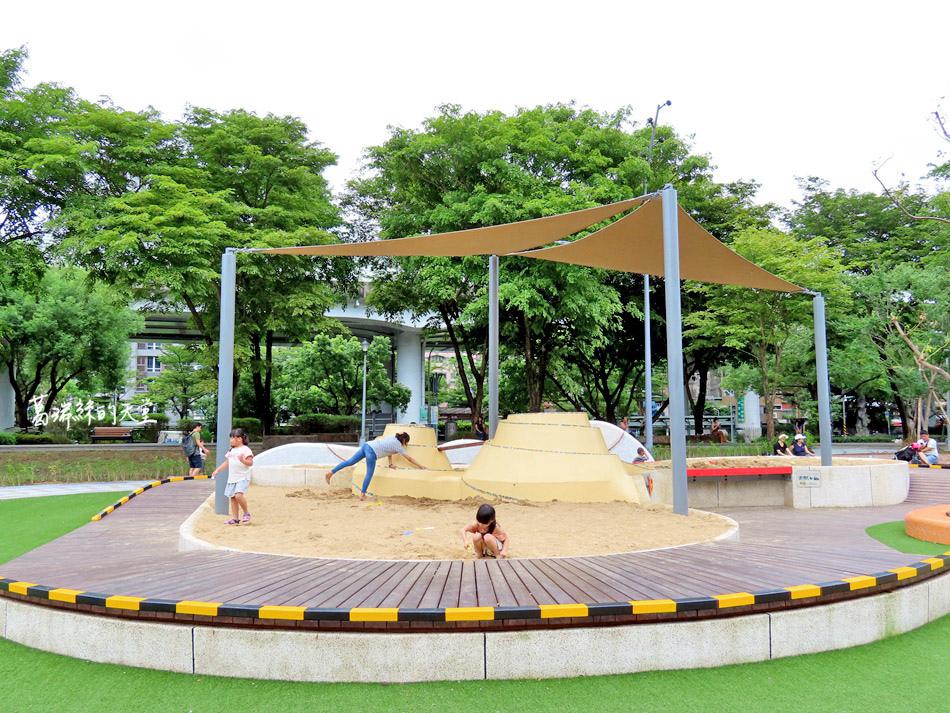 台北特色公園-華山公園 (28).jpg