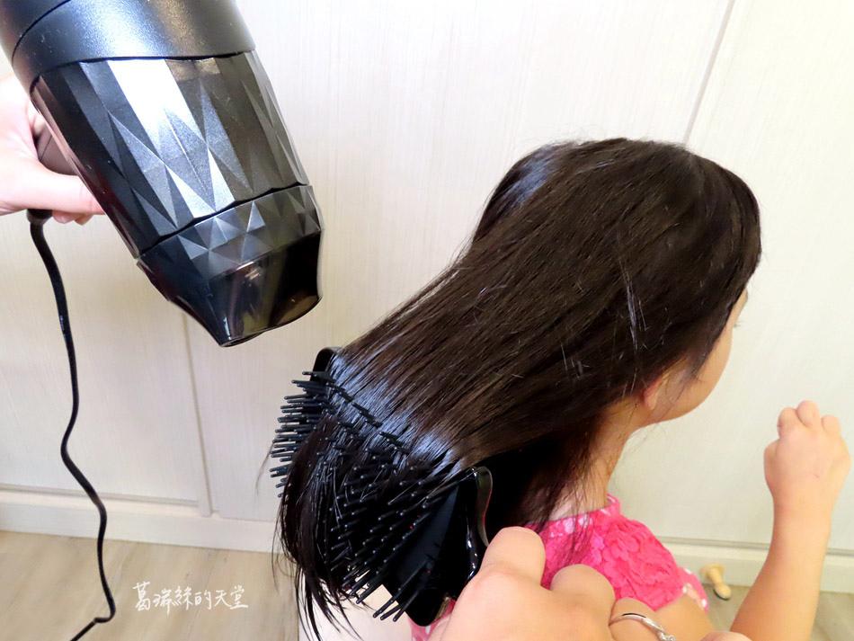 吹風機推薦-日本熱銷 VENSART V0 專利螺旋風護髮吹風機組 (1).jpg