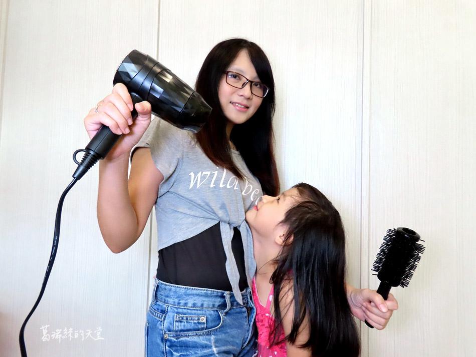 吹風機推薦-日本熱銷 VENSART V0 專利螺旋風護髮吹風機組 (6).jpg