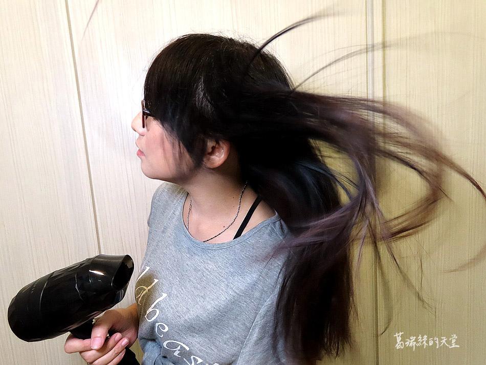 吹風機推薦-日本熱銷 VENSART V0 專利螺旋風護髮吹風機組 (23).jpg