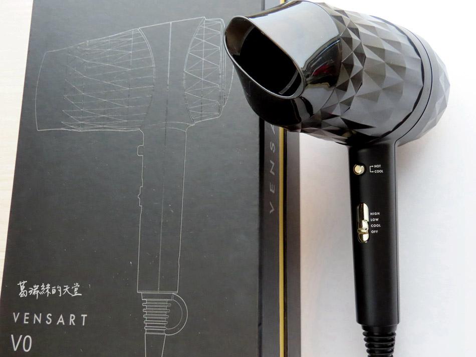 吹風機推薦-日本熱銷 VENSART V0 專利螺旋風護髮吹風機組 (40).jpg