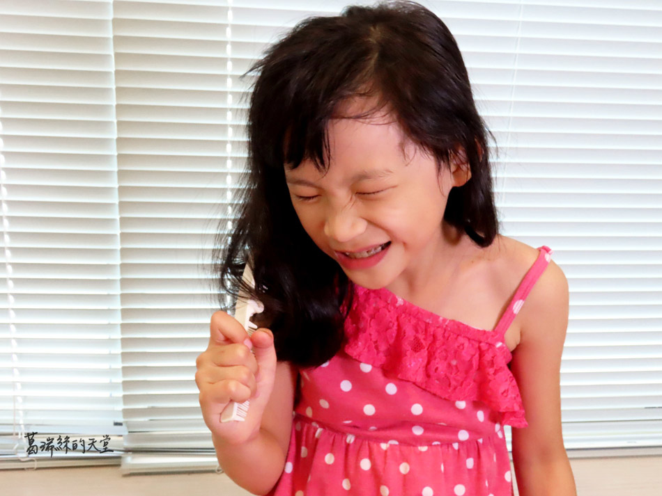 吹風機推薦-日本熱銷 VENSART V0 專利螺旋風護髮吹風機組 (43).jpg