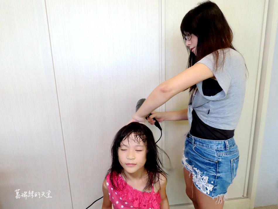 吹風機推薦-日本熱銷 VENSART V0 專利螺旋風護髮吹風機組 (48).jpg