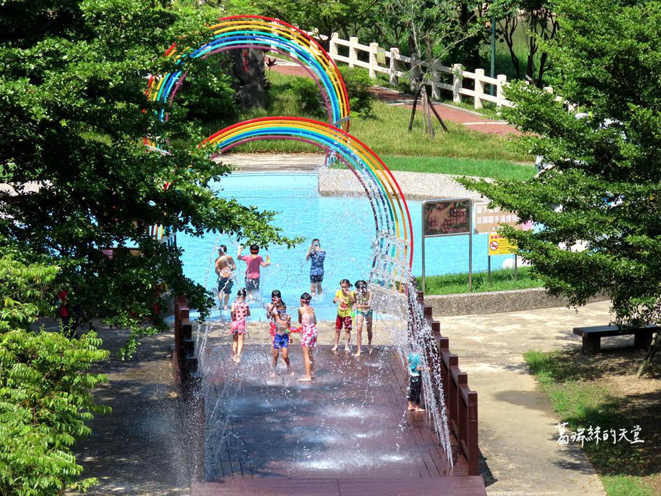 北部免費玩水景點-暖暖親水公園 (5).jpg