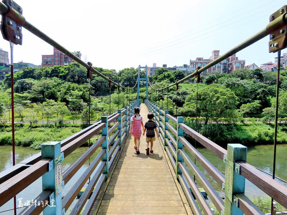 北部免費玩水景點-暖暖親水公園 (9).jpg
