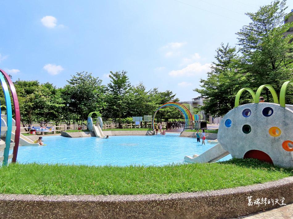 北部免費玩水景點-暖暖親水公園 (10).jpg