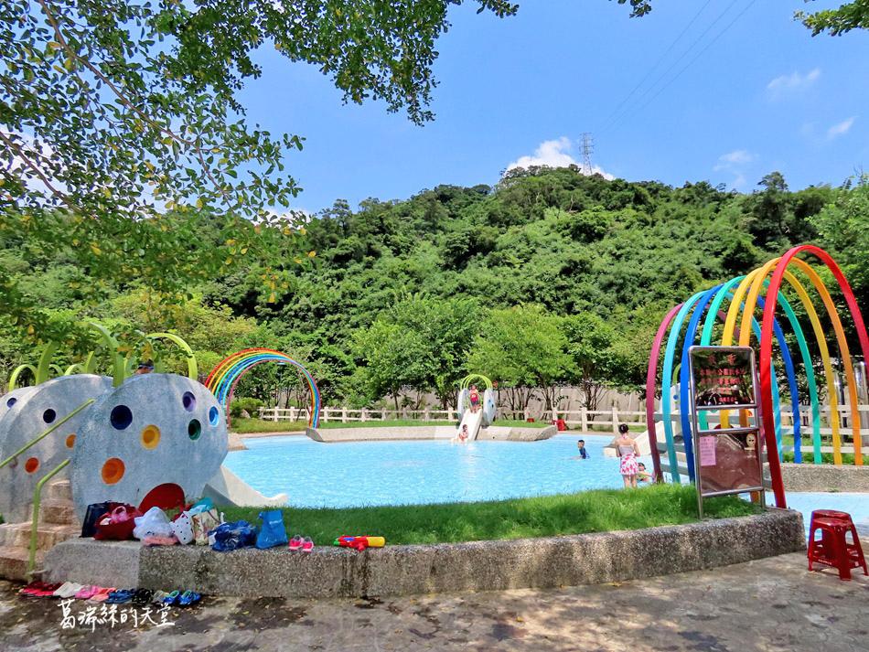 北部免費玩水景點-暖暖親水公園 (11).jpg