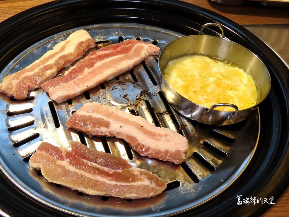 西門町美食-阿豬媽韓式烤肉X火鍋吃到飽 (33).jpg