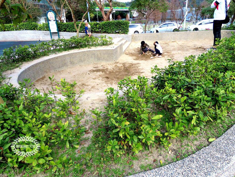 內湖一日遊-湖山六號公園 (2).jpg