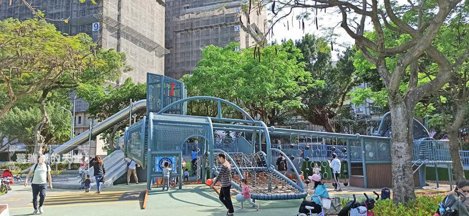 台北最新特色公園-青年公園-飛行探索遊戲場 (5).jpg