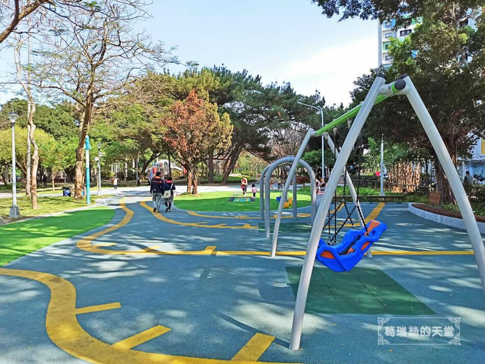 台北最新特色公園-青年公園-飛行探索遊戲場 (22).jpg
